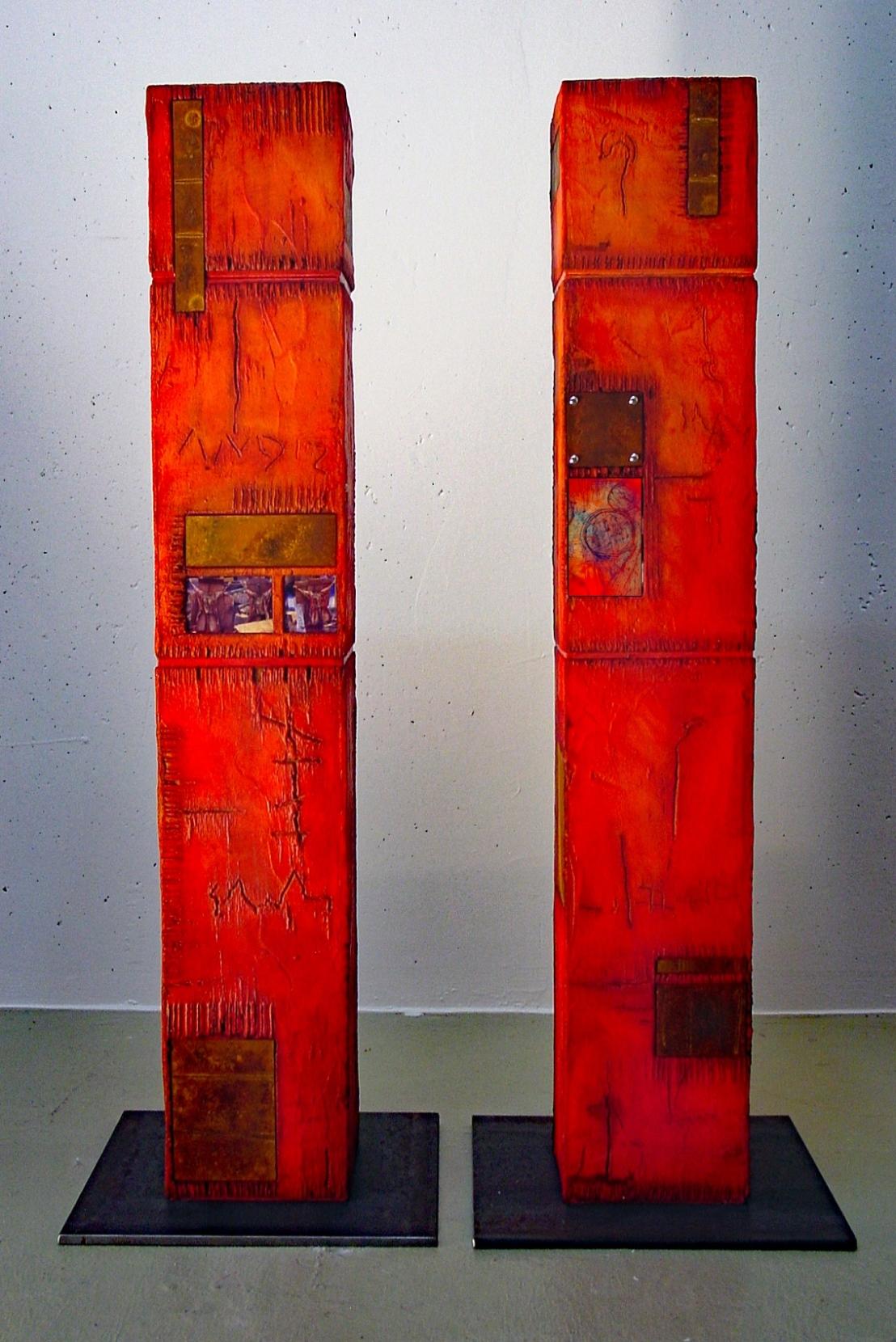 12-01 12-02 Skulpturen Holz je 21 x 21 x 122 cm